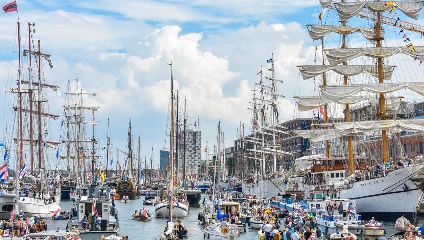 In 2020 is Zuiderzee Zeilen bij Sail Amsterdam